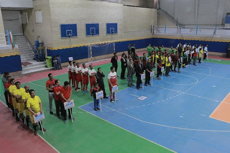 مرحلۀ مقدماتی مسابقات فوتسال کارکنان شهرداری کرمان آغاز شد